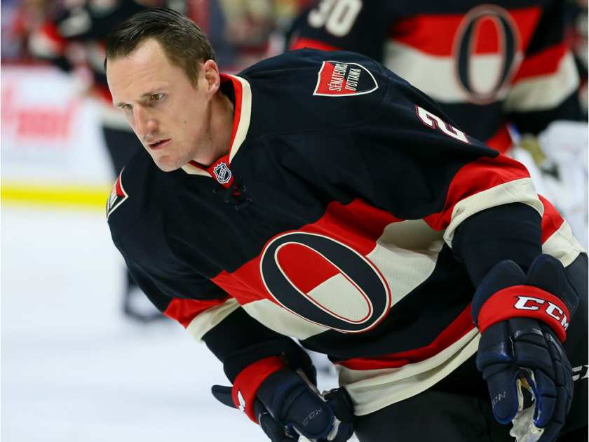 ottawa-senators-defenseman-dion-phaneuf-2-warming-up-with3